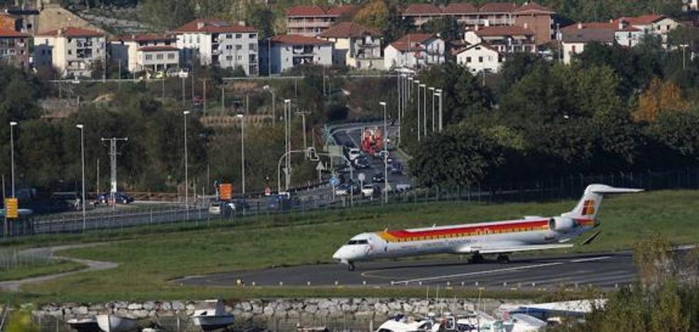 El tráfico de viajeros del aeropuerto de Hondarribia creció un 6% hasta julio
