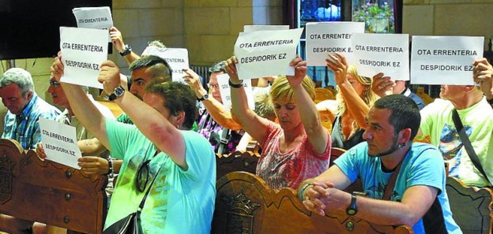 Los trabajadores de la OTA siguen recogiendo firmas