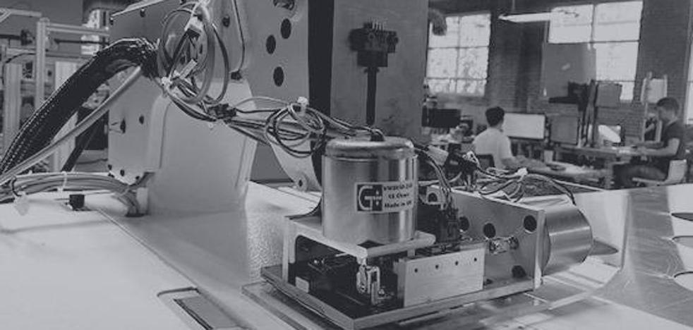 Estos robots cosen 800.000 camisetas por día