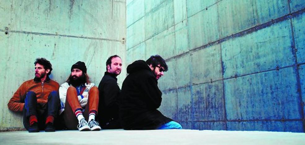 Calavera, el alma pop de los sintetizadores