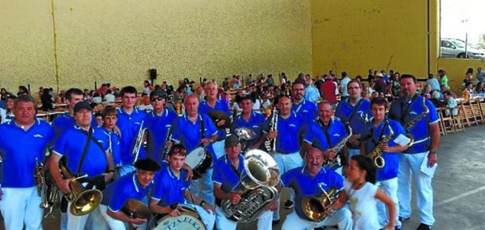 Los vecinos de Sorzano vuelven a disfrutar con las canciones de Gora Kale Txiki