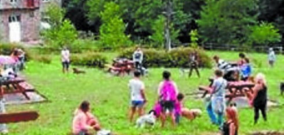 La segunda edición del Día del Perro, este domingo, en el parque rural de Otieta