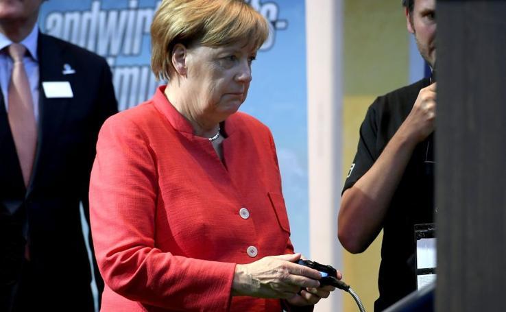Merkel inaugura la Gamescom en Alemania