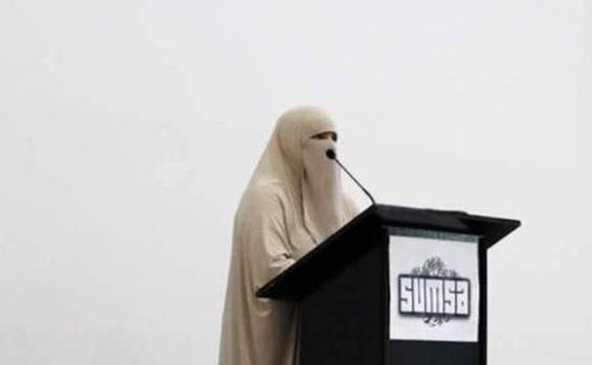 Una predicadora musulmana tacha de «gran pecado» depilarse las cejas