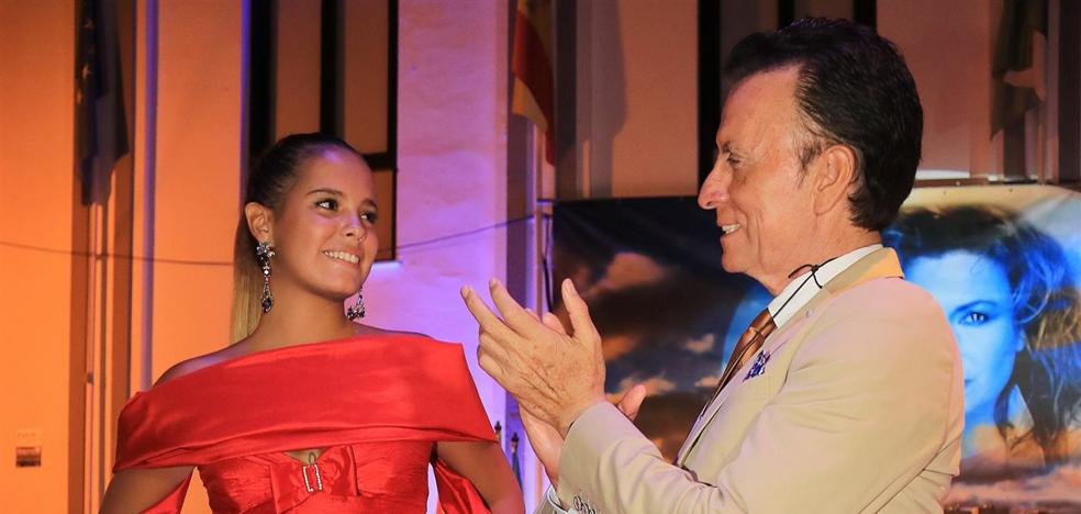 Gloria luce un traje de Rocío Jurado como homenaje a su madre
