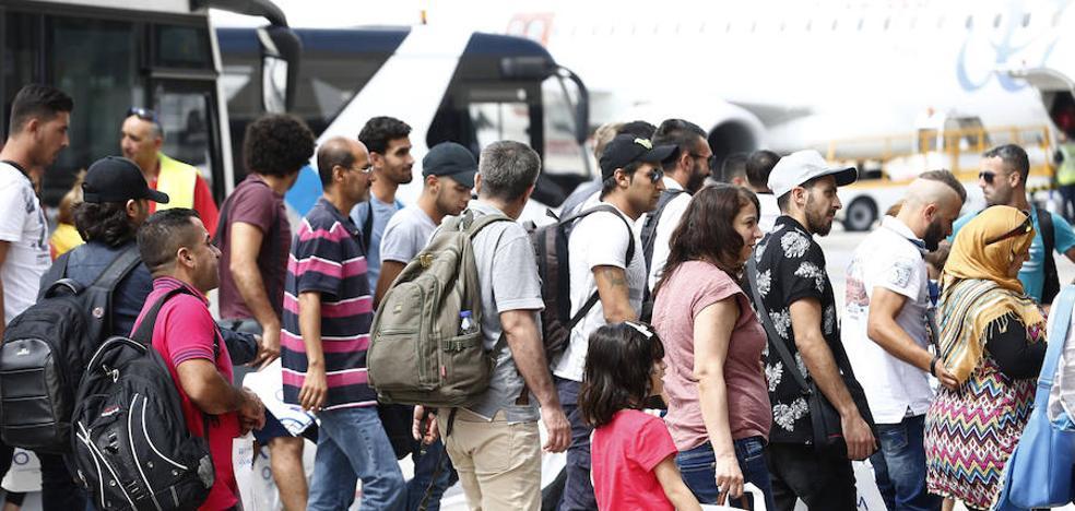 Gipuzkoa acogerá a 2 de los 164 refugiados llegados este miércoles a Madrid procedentes de Grecia