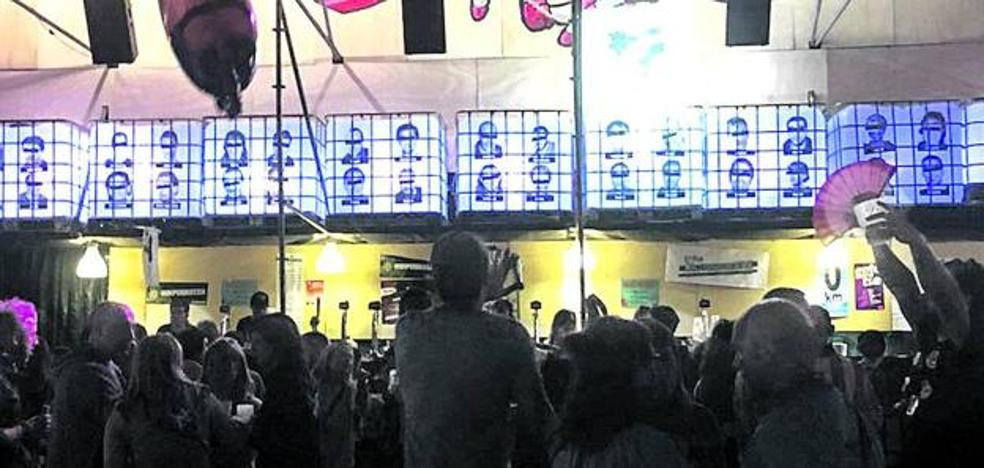 Denuncian a tres txosnas de Bilbao por exhibir fotos de presos de ETA