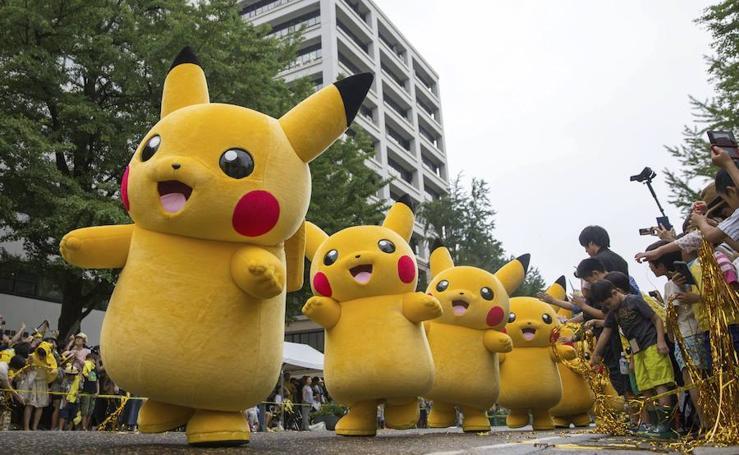Un ejército 'pikachus' invade Japón