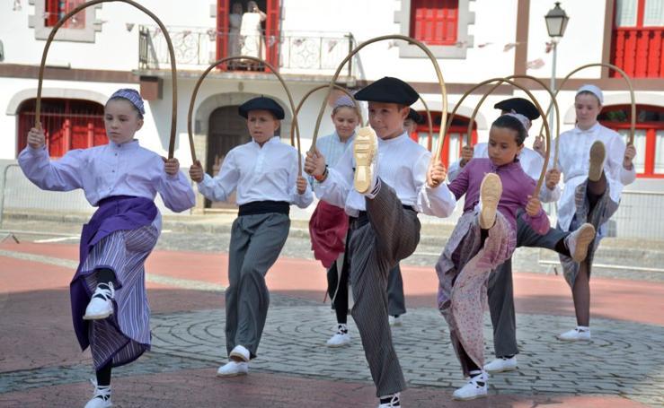 Herriko dantzariak protagonista San Bartolome egunean