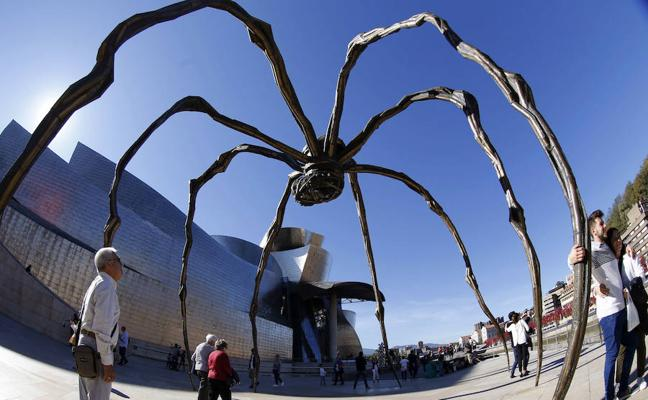 Inoiz baino bisitari gehiago izan ditu udan Guggenheim Museoak