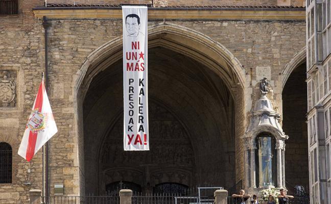 Los presos de ETA esperan «un gran acuerdo político» que les ampare