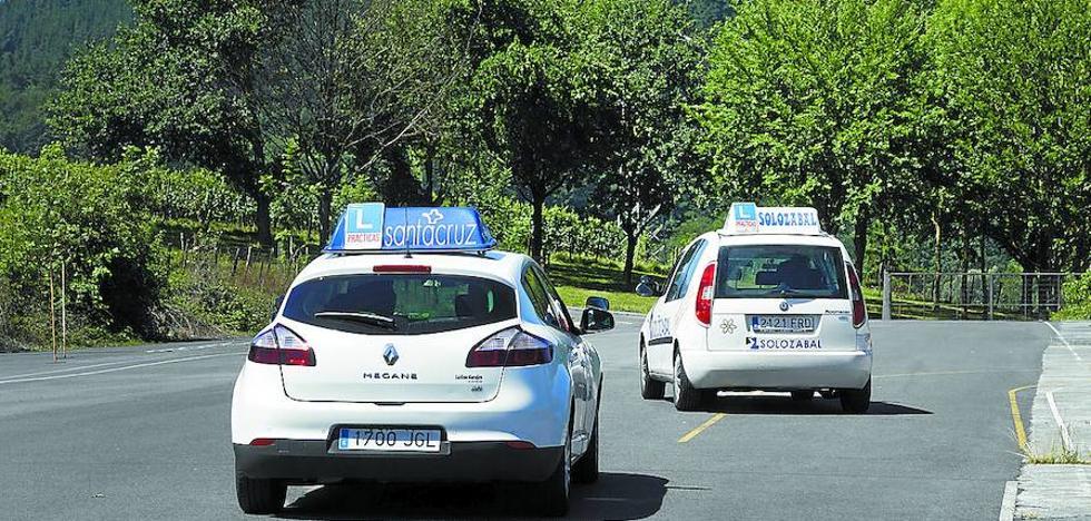 Los tres examinadores de refuerzo también secundan la huelga en Gipuzkoa