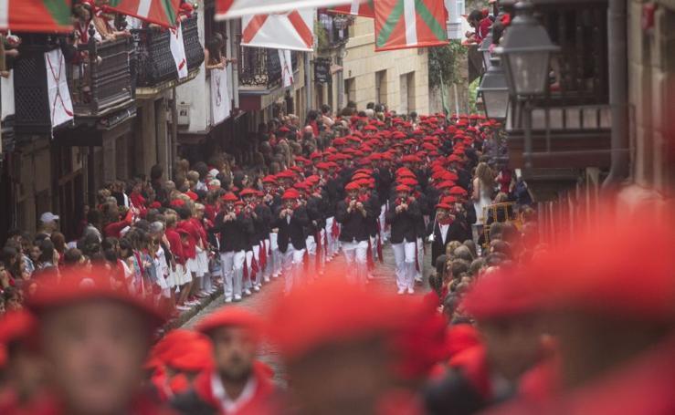 El Alarde tradicional desfila por Hondarribia