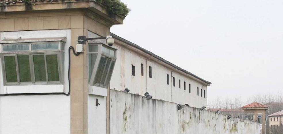 Detenida una mujer que intentaba introducir droga en la prisión de Martutene