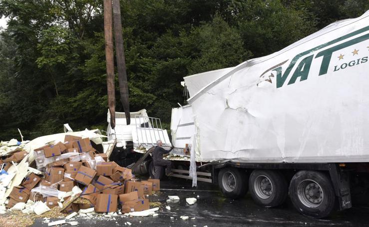 Un accidente obliga a corta 7 horas la N-1 en Legorreta