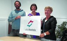 Urretxu-Zumarraga Ikastola estrena la renovada marca identificativa