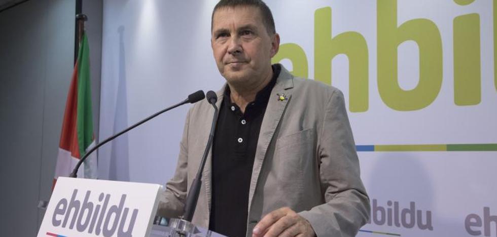 El fiscal pide al Supremo que mantenga hasta 2021 la inhabilitación a Otegi
