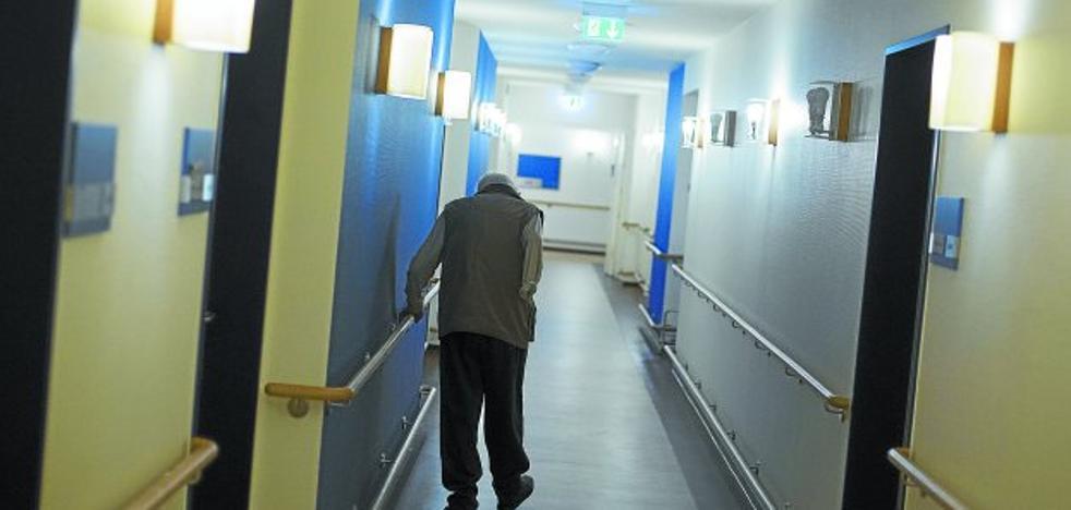 El caso de la residencia de Donostia que ataba a los ancianos a la cama