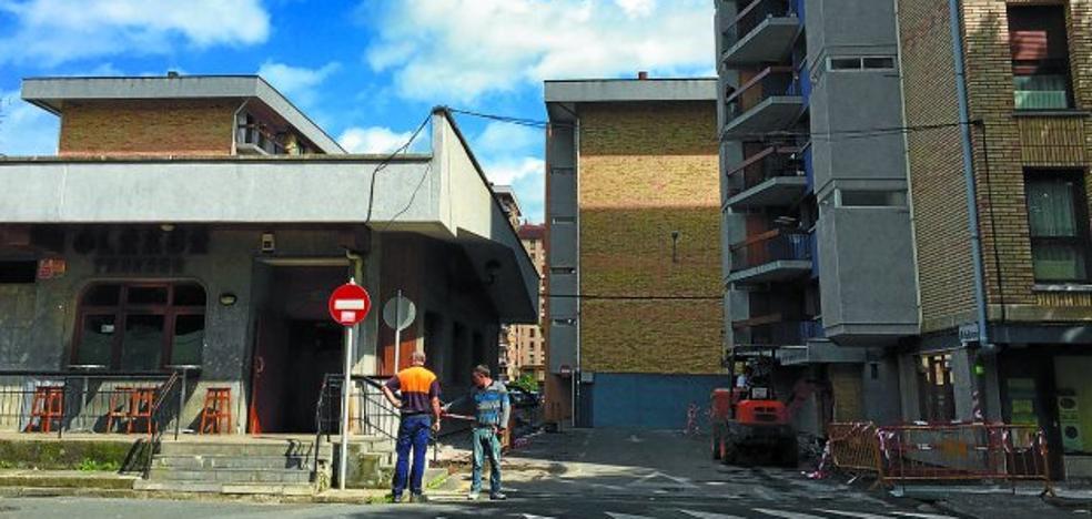El 'lifting urbanístico' de Olakua arranca en la zona «más social» del barrio