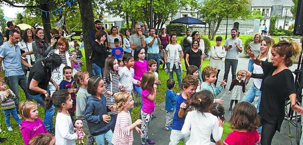 Girabira celebra el domingo en el parque de Gain Gainean una jornada dedicada al teatro