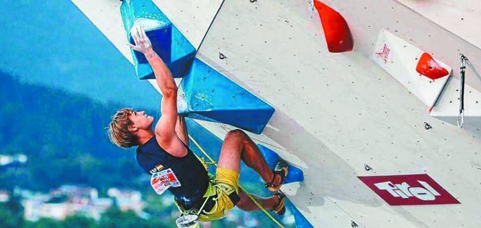 Mikel Linacisoro gana el bronce en el mundial juvenil sub18 de escalada