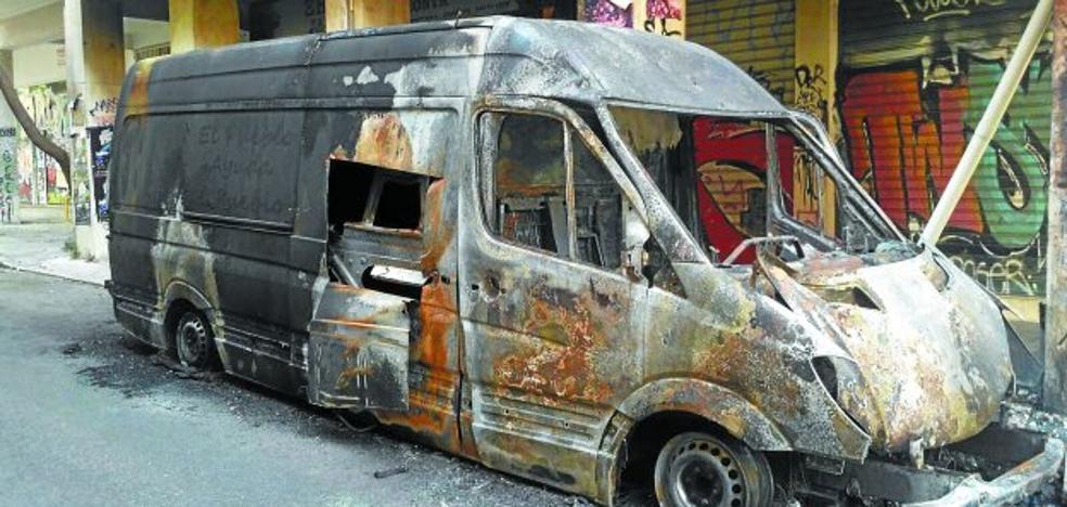 Sos Refugiados Hernani se levanta tras la quema de su furgoneta