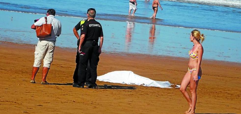 Una mujer francesa de 64 años, primera ahogada este verano en las playas de Gipuzkoa