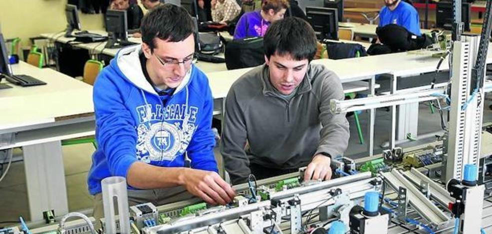 Los alumnos de FP que aprenden en empresas aumentan un 50% en Euskadi