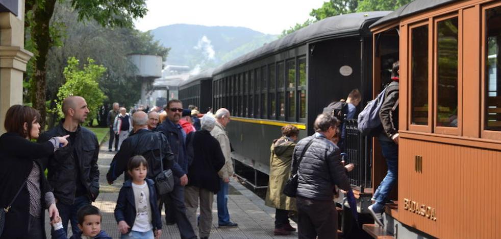 Burdinbidearen Euskal Museoak lurrunezko hiru tren jarriko ditu martxan asteburuan