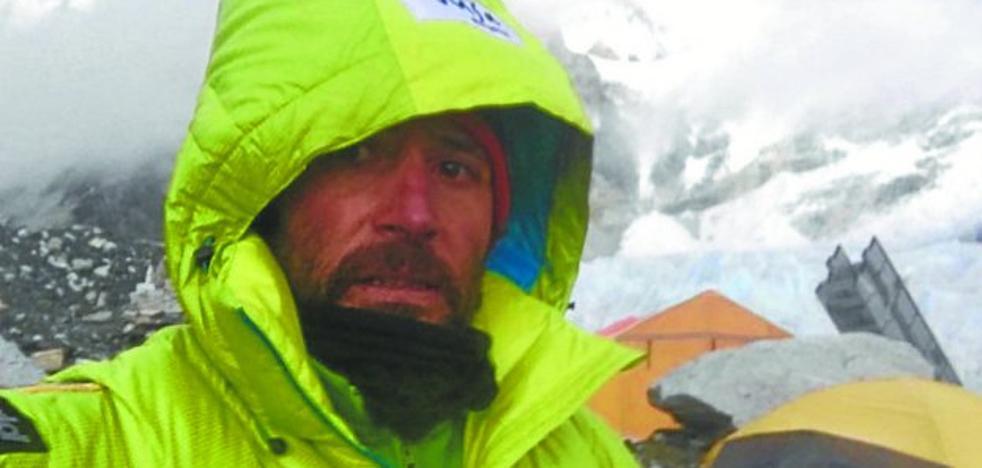 Txikon lleva a Polonia la cinta de su invernal al Everest