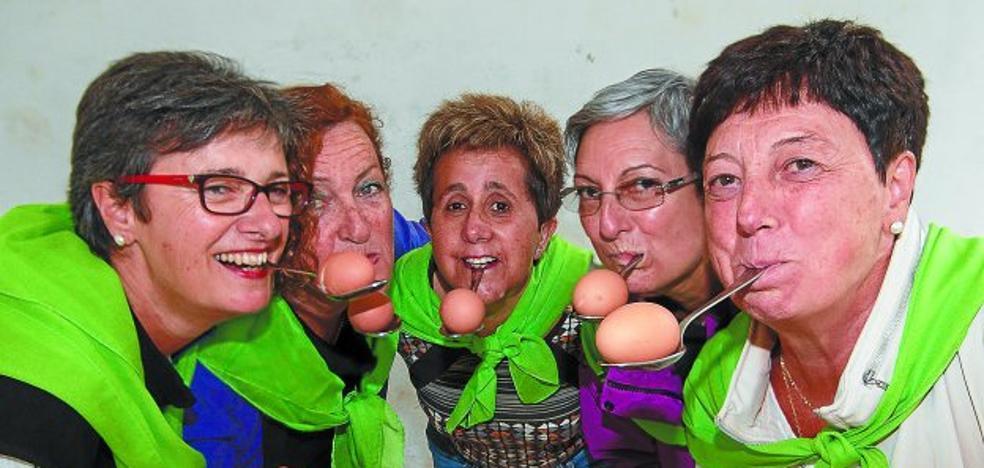 Las Arrates invitan a participar el domingo en su fiesta con subida al barrio rural, misa y juegos