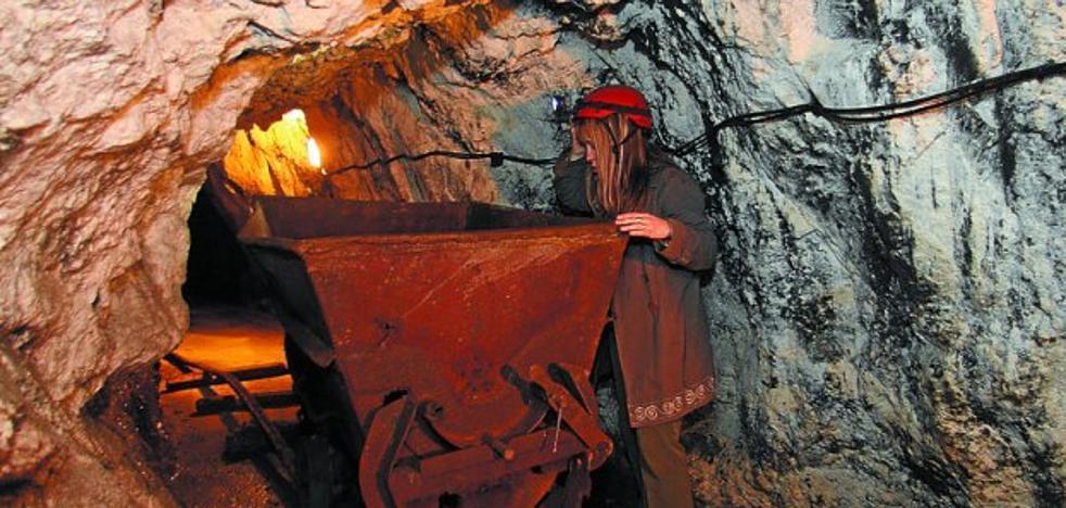 Lapurriturri organiza una salida por Peñas de Aia para conocer el pasado minero de Irun