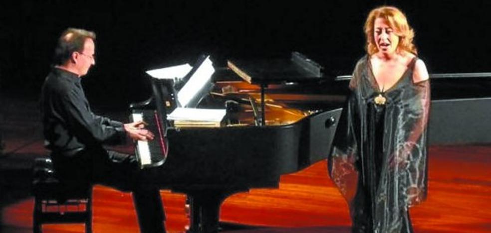 Ainhoa Zubillaga e Iñaki Salvador interpretarán 'Voces de cine' en la ermita de Antigua
