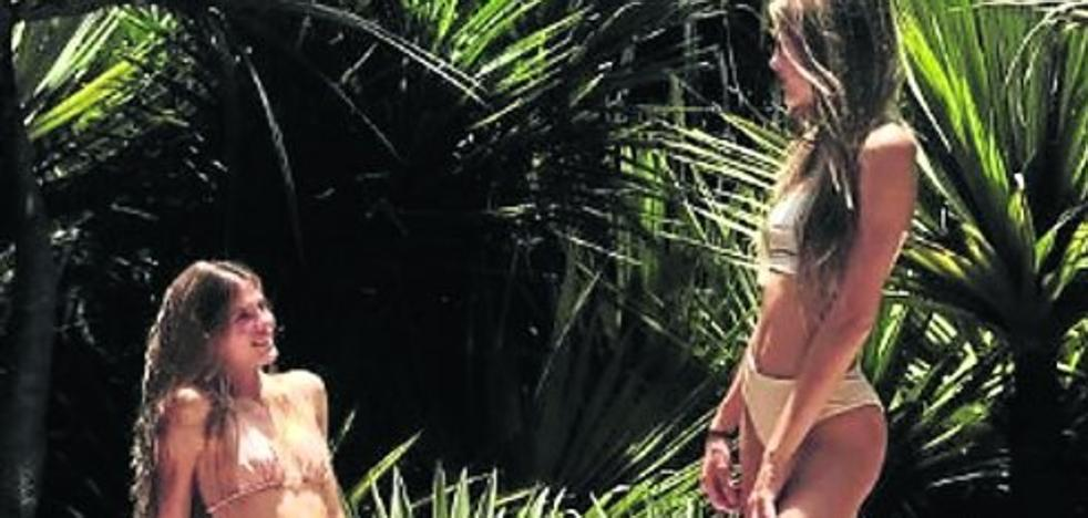 Las gemelas Iglesias ensayan como 'top models'
