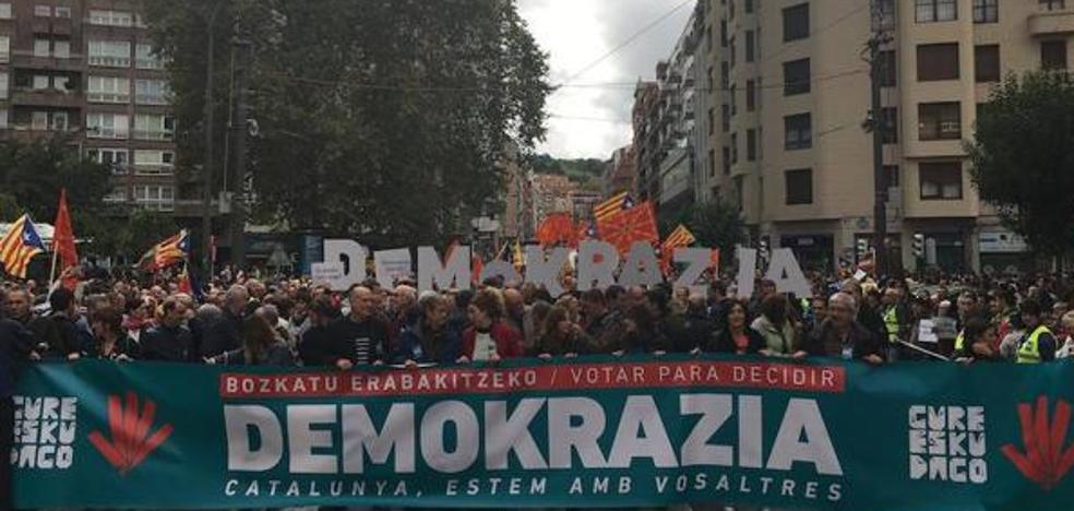 El PNV arropa la manifestación por el referéndum catalán con una delegación al más alto nivel