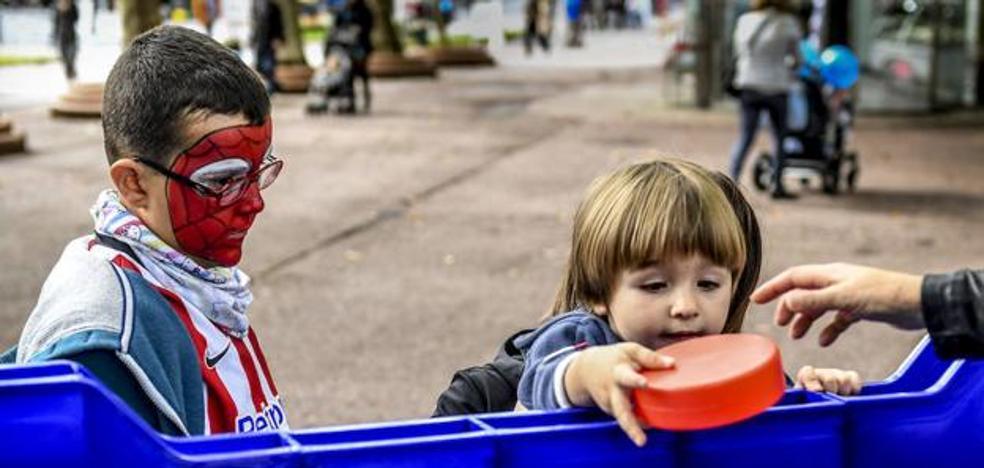 Familias numerosas denuncian en su fiesta el «despropósito del gasto en libro de texto»