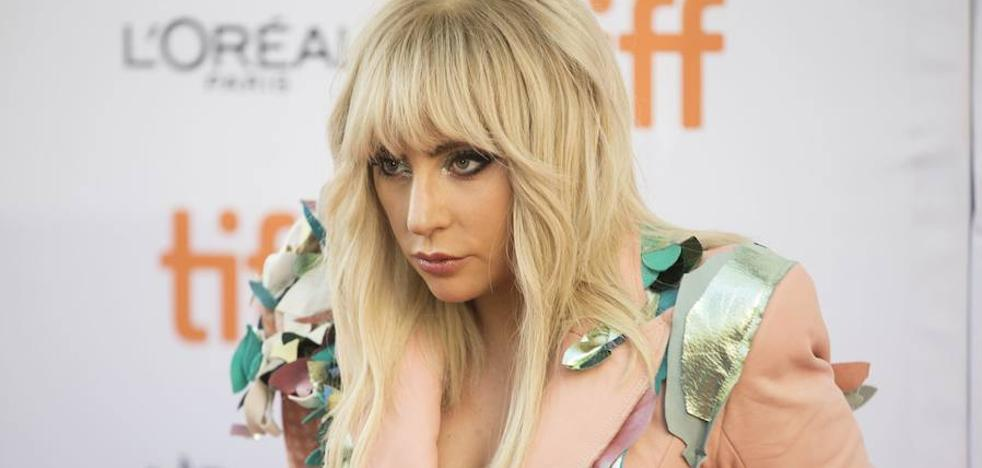 Lady Gaga, hospitalizada