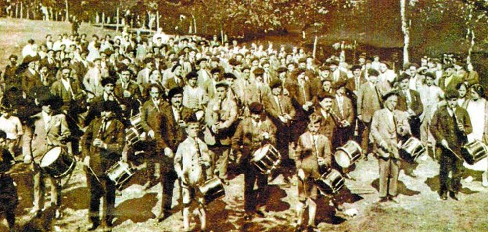 Los txistularis regresan a Arrate para celebrar 90 años de asociación