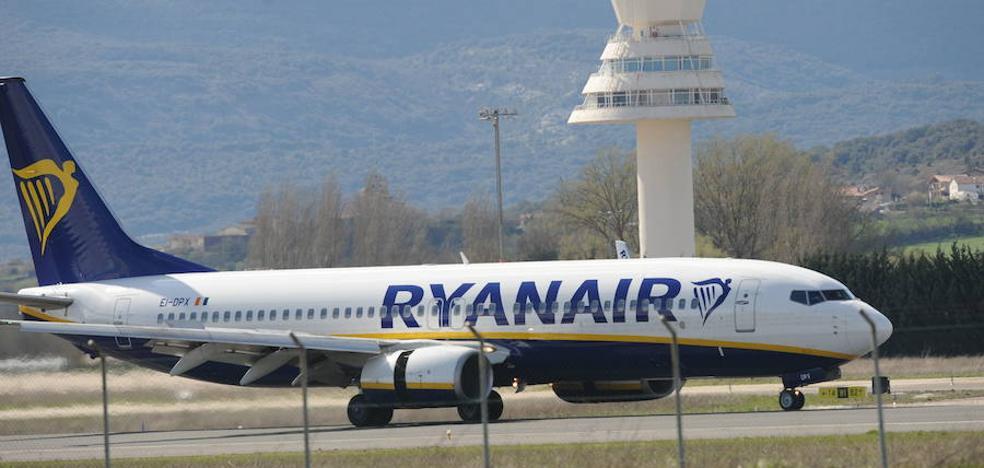 Un «lío» con las vacaciones suspende 50 vuelos diarios de Ryanair hasta octubre