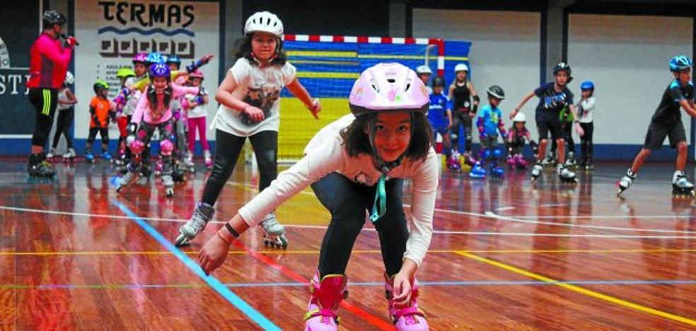Los patines y la marcha nórdica abrieron la semana de la movilidad