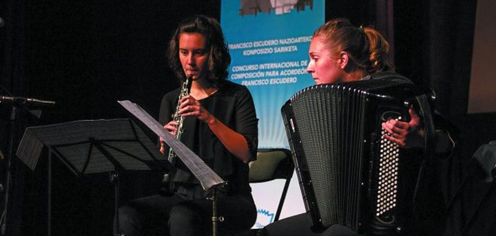 Shanae Ishid y Francisco Uberto ganan el concurso internacional de acordeón