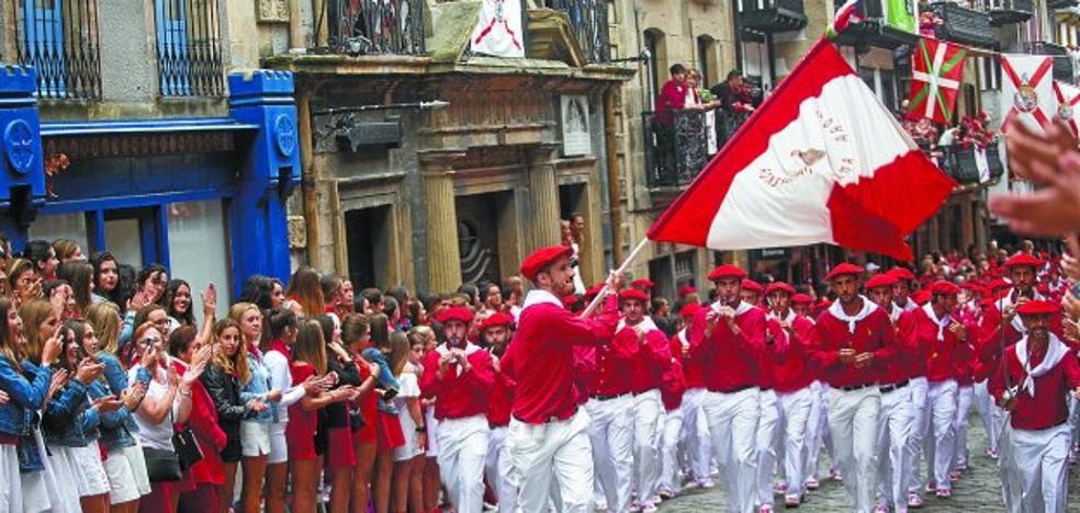 Alarde Fundazioa destaca el aumento de participación en el desfile de este año