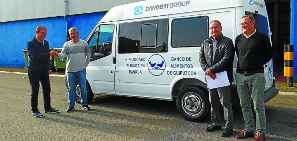 El Banco de Alimentos tiene una nueva furgoneta financiada por Danobatgroup