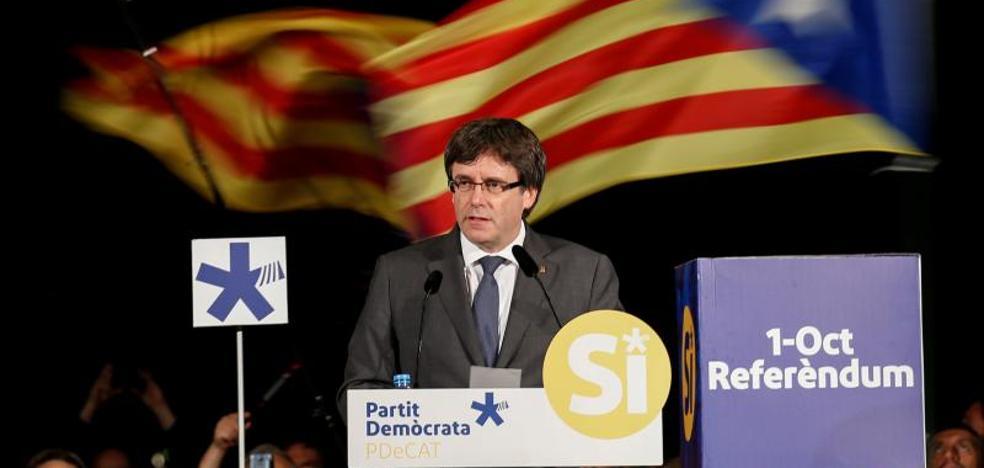 Puigdemont acusa a Rajoy de ser el «guardián de la tumba» de Franco