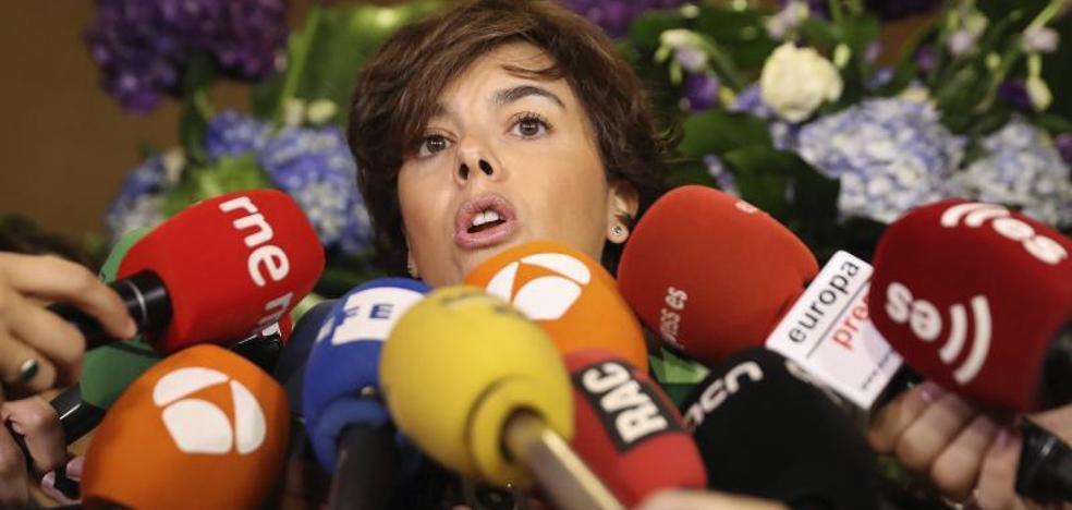Santamaría, a Puigdemont: «¿Hasta cuándo va a seguir abusando de Cataluña?»