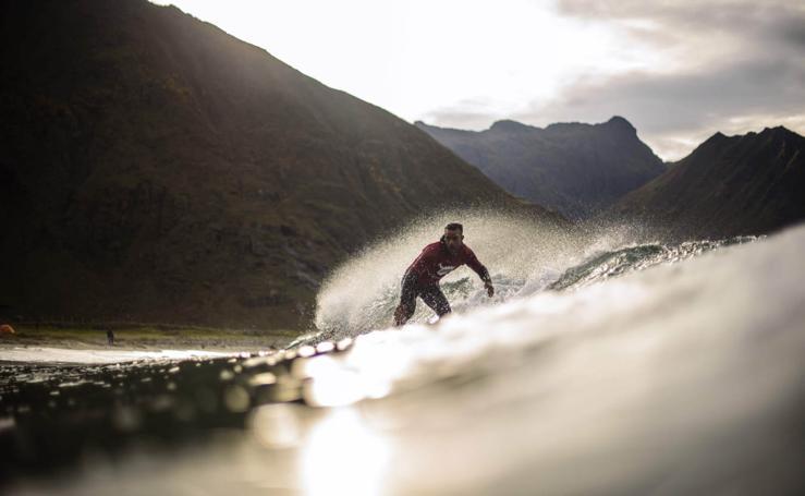 Surf en las Lofoten