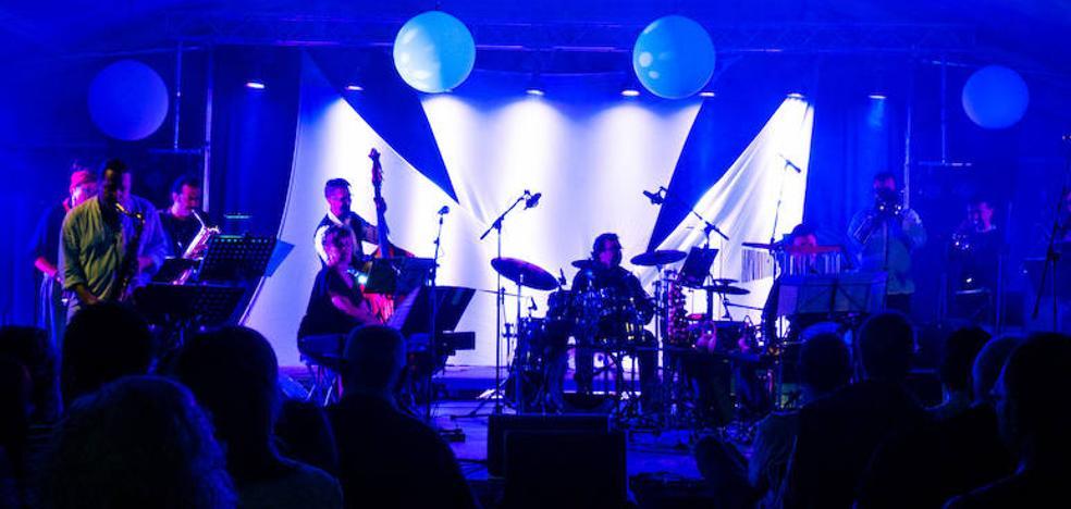 Bruna Sonora: «Somos músicos formados en conservatorios y en garitos»