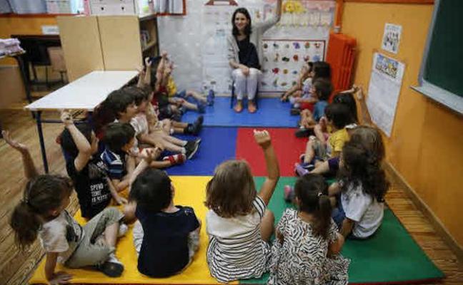 Educación convocará 5.000 plazas de profesores y sustituirá las bajas desde el primer día en Infantil y Primaria