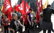 ELA y LAB sacan a simpatizantes a la calle en apoyo al referéndum catalán