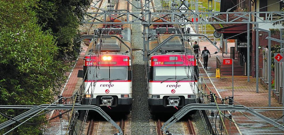 La escasez de maquinistas obliga a suprimir trenes de cercanías de Renfe en Gipuzkoa
